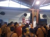 Pembagian Paspor dan Boarding Pass di CGK Terminal 2EF